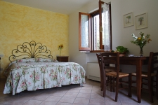 Agriturismo La Castellana - Sunflowers Studio with kitchenette
